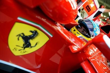 ¿Fernando Alonso atado a Ferrari hasta finales de 2018?