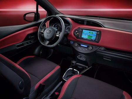 Toyota Yaris Hybrid Bi Tone