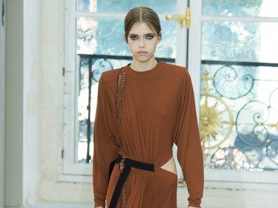 Clonados y pillados: el vestido camel más molón de Louis Vuitton ahora también en Stradivarius