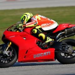 Foto 3 de 8 de la galería valentino-rossi-y-la-ducati-1198-sp en Motorpasion Moto