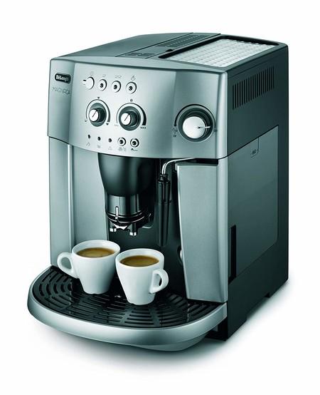 Oferta del día en la cafetera De'longhi Magnifica Esam 4200.S: hasta medianoche tiene un precio de 279,90 euros en Amazon