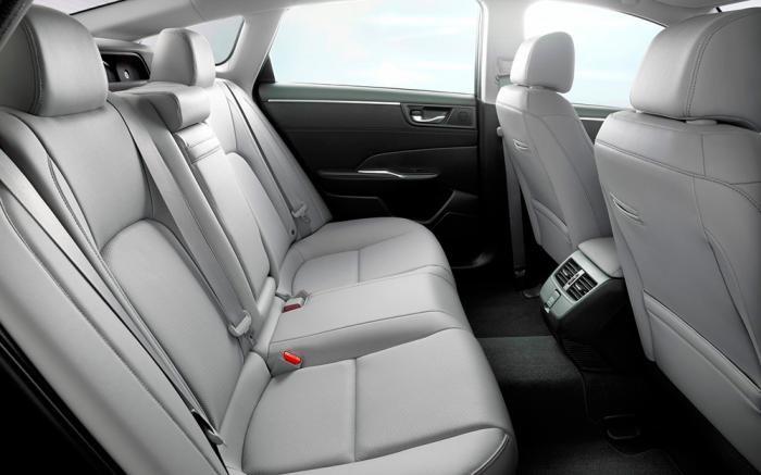Foto de Honda Clarity plug-in hybrid y EV (8/10)