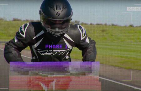 ¡Sensacional! Este teaser nos enseña el prototipo del campeonato de patinetes eléctricos que superan los 100 km/h