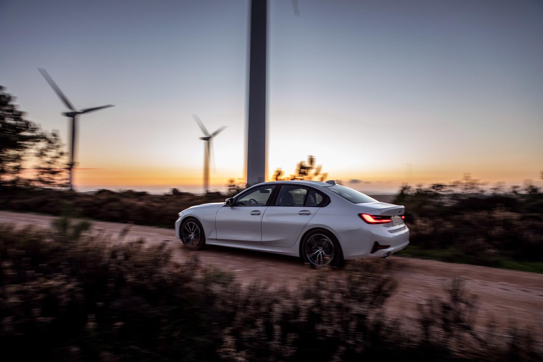 Foto de BMW 330e 2019 (5/11)