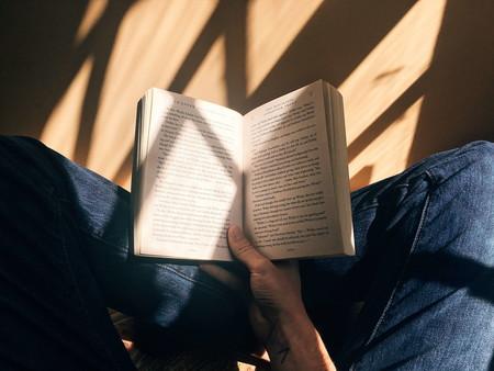 Ocho novelas sobre aislamiento que te harán ver que quedarse en casa por el COVID-19 no es tan malo