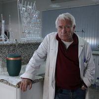 Muere Cesáreo Estébanez, el mítico agente Romerales de 'Farmacia de Guardia' y gran secundario del cine y televisión