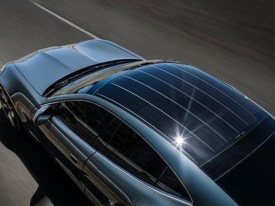 ¿Está unido el futuro del coche eléctrico a los paneles solares? Panasonic trabaja para ello