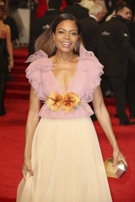 El premio a la más primaveral se lo lleva Naomie Harris con su Gucci rosa