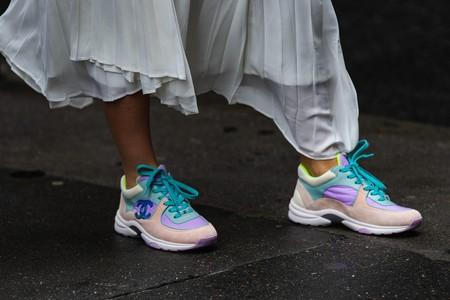 5 faldas que sientan genial con una sencilla camiseta blanca y tus zapatillas preferidas