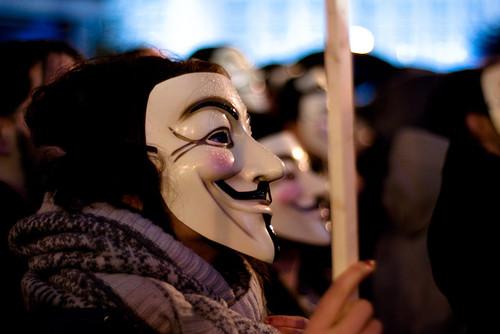 """Primer juicio contra """"Anonymous"""" en España: todo lo que tienes que saber"""
