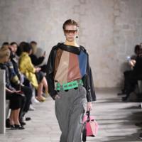 Jonathan Anderson nos trae una mujer futurista en su segunda colección para Loewe