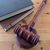 Sentencia absolutoria definitiva en uno de los casos más antiguos de P2P: EMWReloaded absuelto tras 11 años