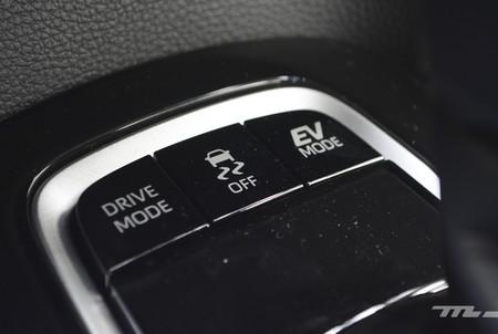 Toyota Corolla Hybrid 2020 24