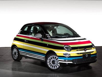 Alguien pagó 60,000 dólares por este peculiar Fiat 500C