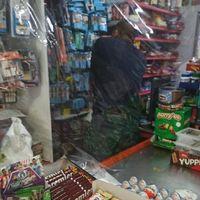 """Parón en los comercios chinos: el coronavirus les lleva """"de vacaciones"""" o les aísla con plástico"""