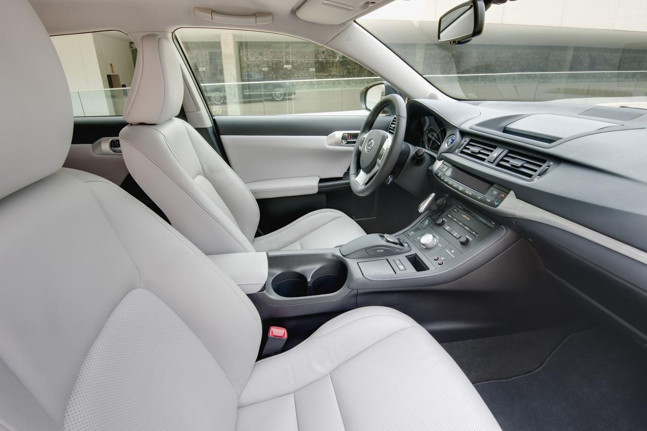 Foto de Lexus CT 200h (42/164)