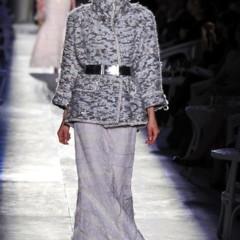 Foto 60 de 61 de la galería chanel-alta-costura-otono-invierno-2012-2013-rosa-gris-brillos-y-nuevo-vintage en Trendencias