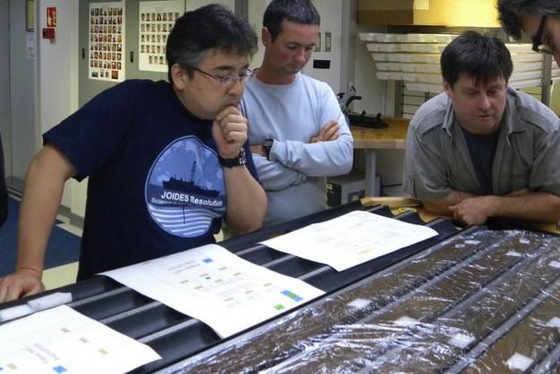 Se logran revivir en laboratorio estos microbios de 100 millones de años