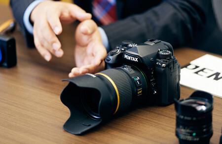 Ricoh insiste en que no se pasarán al mercado de las cámaras sin espejo (aunque podrían hacerlo)