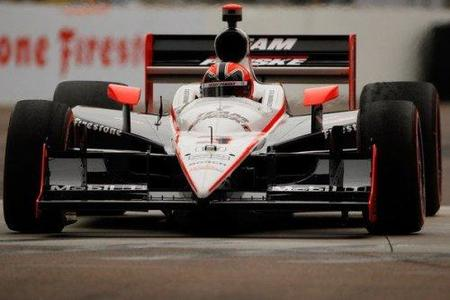 Helio Castroneves consigue la pole position para las 500 millas de Indianápolis