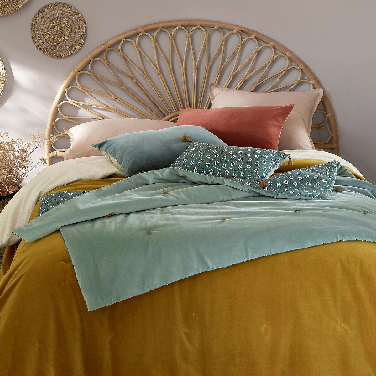 Cabecero de cama de ratán