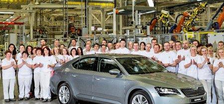 Škoda ya tiene una respuesta a la pataleta de Volkswagen: la República Checa seguirá siendo su primer hogar