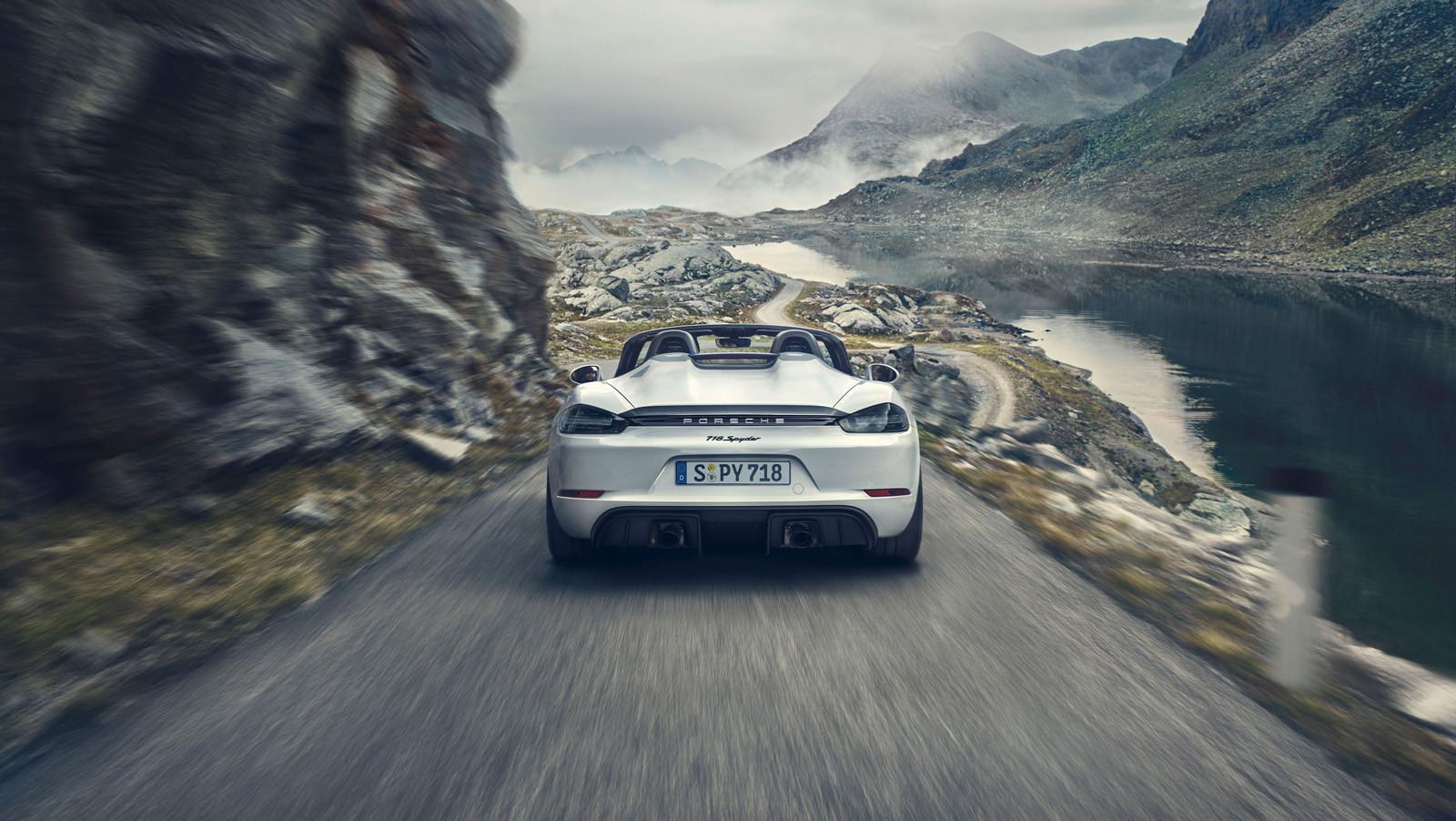 Foto de Porsche 718 Cayman GT4 y Porsche 718 Spyder (10/16)