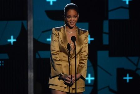 La gala de los BET, o la noche que Rihanna se marcó un bailecillo con Chris Brown