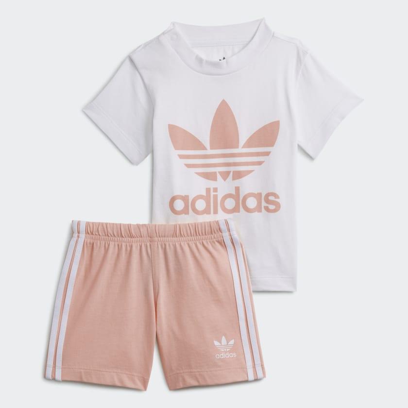 Conjunto de sudadera y pantalón corto en rosa pastel