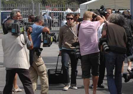 La prensa británica no entiende que no se despida a Alonso