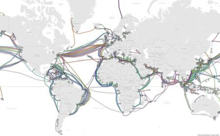 Así es el mapa de todos los cables submarinos que le dan forma a Internet