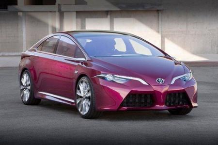 Toyota presenta el NS4, el Prius del futuro