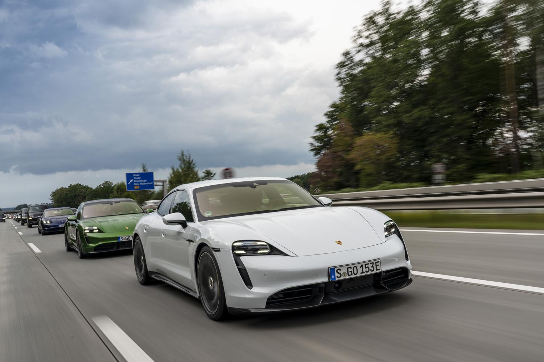 Foto de Porsche Taycan prueba contacto (118/275)
