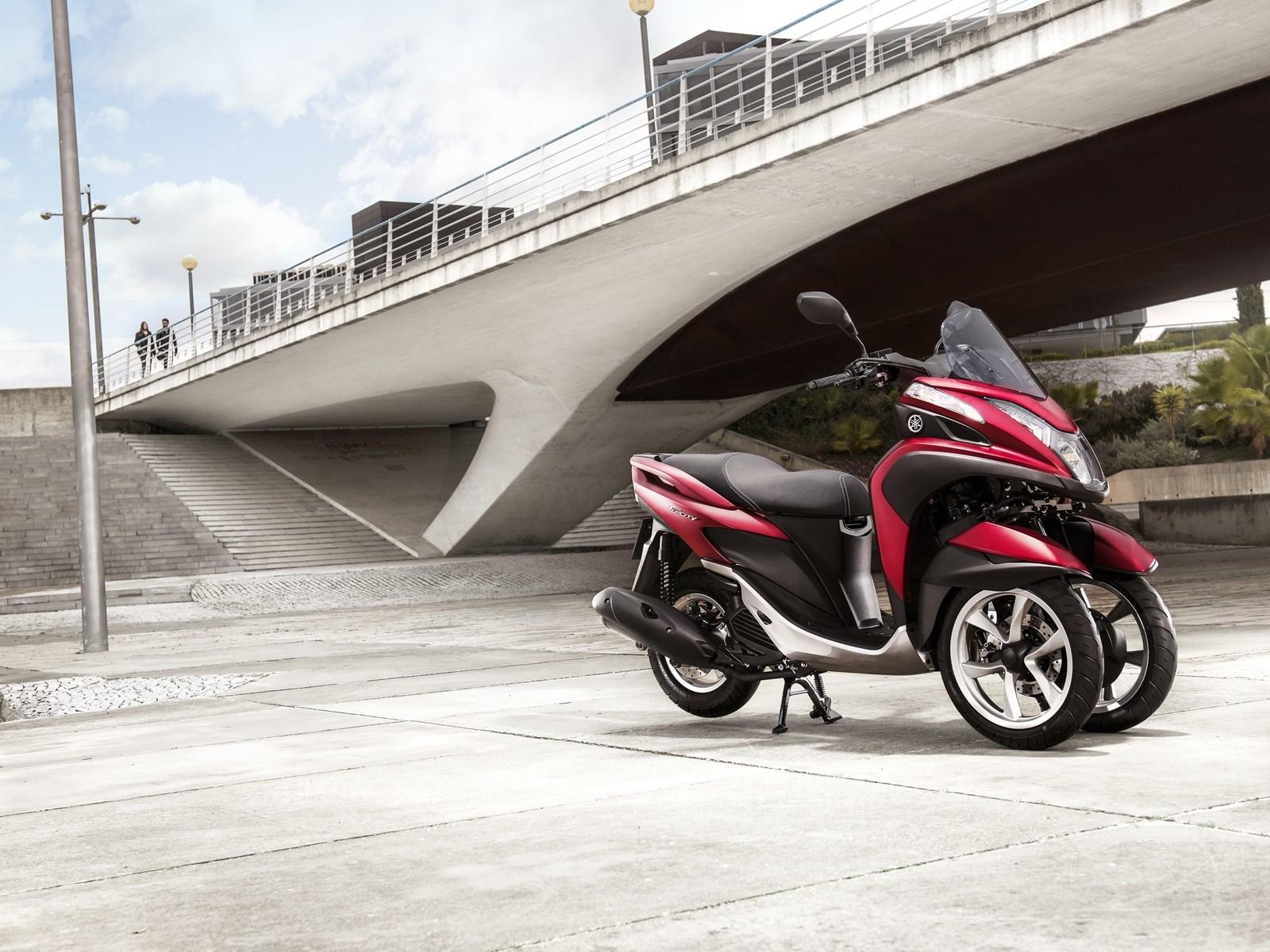 Foto de Yamaha Tricity 125 cc acción (20/21)