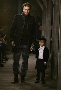 Chanel Metiers d'Art 2013: un homenaje al trabajo de los artesanos franceses