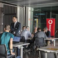 Vodafone y Huawei instalan la primera antena 5G en Madrid para impulsar el desarrollo de nuevas soluciones