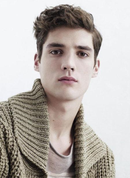 Zara presenta su colección primavera-verano 2009, para hombre