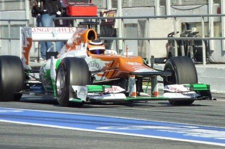 Nico Hulkenberg mantiene el sorprendente mejor tiempo en el segundo día de pruebas en Barcelona