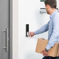 Los intercomunicadores DoorLine llegan a España con conexión cableada o DECT para responder a las visitas desde el fijo o el móvil
