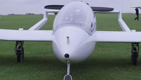 El avión hibrido logra buenos resultados en su primer vuelo