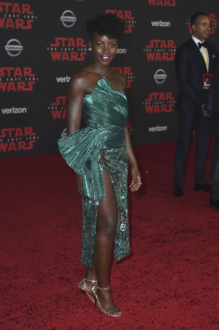 star wars ultimo jedi alfombra roja look Lupita Nyong O