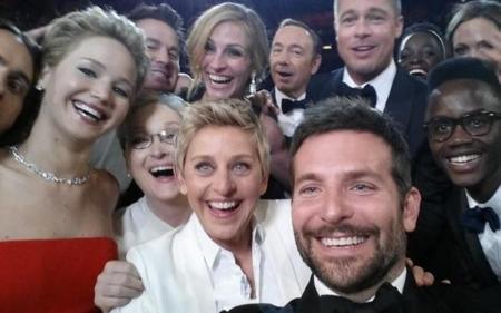 Hacer un buen selfie requiere su técnica, 8 trucos para que los tuyos destaquen