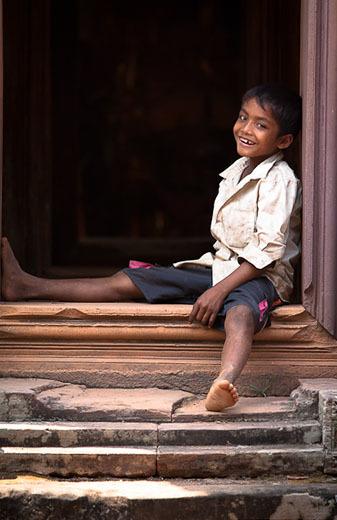 """Anatomía de una foto: """"La sonrisa de Angkor"""" por Rómulo Rejón"""