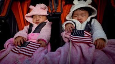 """Niegan la ciudadanía estadounidense a unos bebés porque no se sabe """"la nacionalidad"""" del esperma y óvulos donados"""