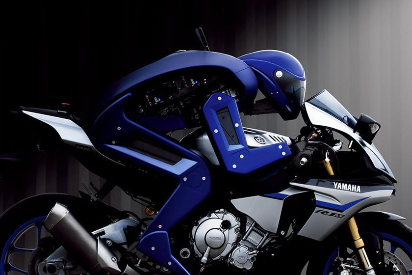 motobot-vs-valentino-rossi-la-mquina-por-s-sola-est-ms-cerca-de-ganar-al-ser-humano-sobre-dos-ruedas