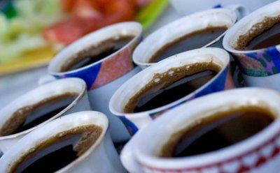 Para cuidar tus huesos, vigila el consumo de té y café