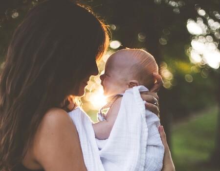 Los bebés criados con apego y contacto materno se convierten en personas más empáticas