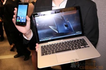 Tablet, teclado y móvil