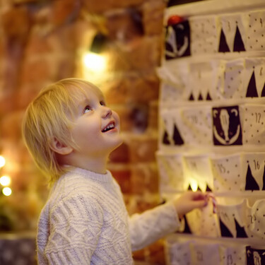 24 ideas de actividades en familia para tu calendario de adviento: una forma emotiva y especial de esperar la Navidad