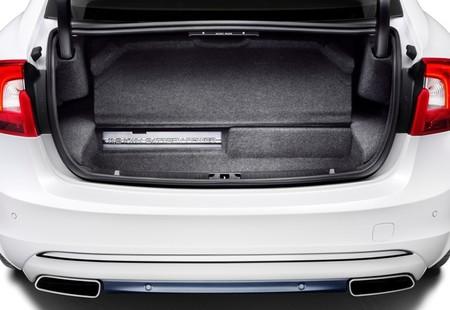 Volvo S60L Plug-in Hybrid 03